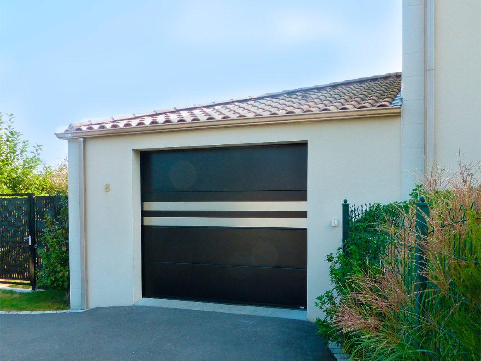 Porte de garage avec motif