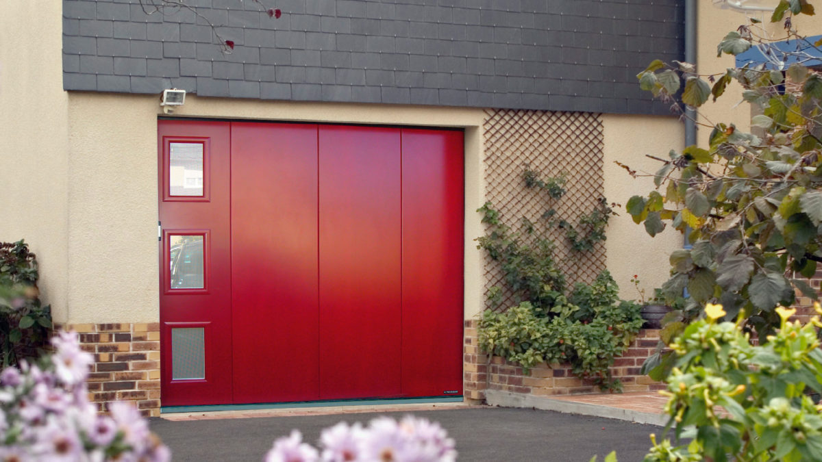 Porte de garage avec ouverture latérale
